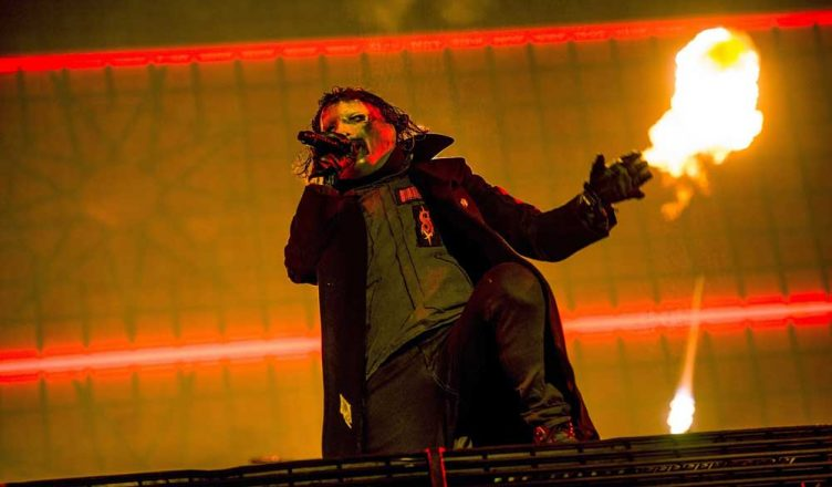 9 Things We Learned From Corey Taylor's Facebook Live