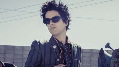 "Billie Joe Armstrong of Green Day shares the video of Rare Fight by Bob Dylan and says ""MOOD"""