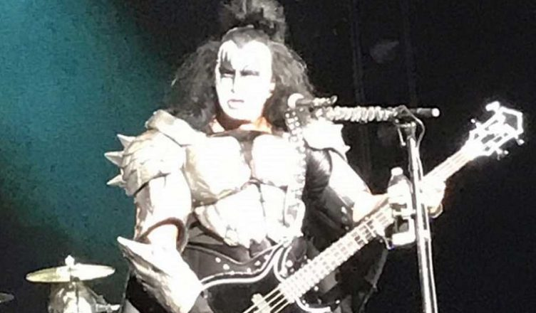 "KISS bassist Gene Simmons thanked fans and said: ""We had a ball"""