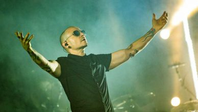 Linkin Park Fans Shared Conspiracy Theories About Chester Bennington's Suicide