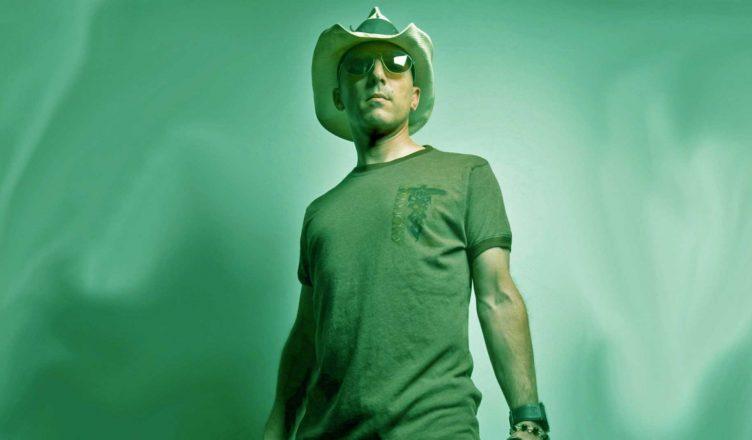 Maynard James Keenan (Tool) Mocks Mötley Crüe Star Tommy Lee