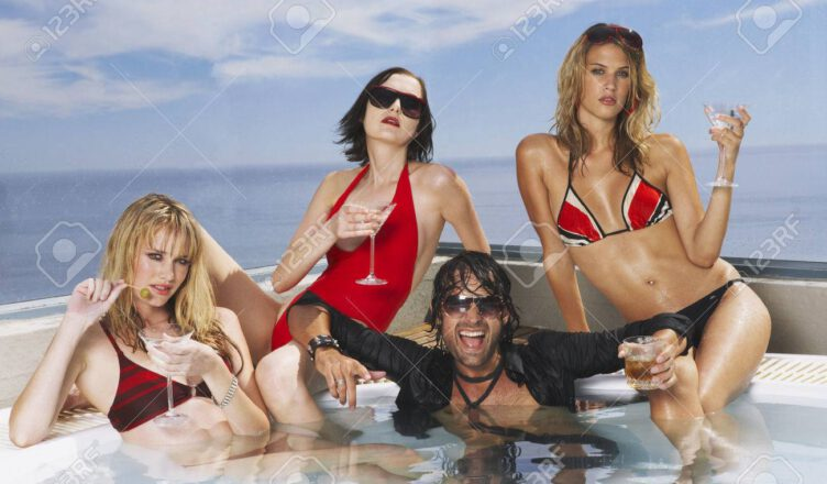 Mötley Crüe's Vince Neil's Girlfriend Hangs Out With Three Hot Woman